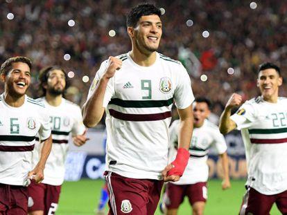 Jiménez celebra el gol.