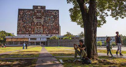 Exterior de la UNAM, en la Ciudad de México