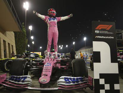 Sergio Pérez celebra su triunfo en el Gran Premio de Sakhir el pasado 6 de diciembre.