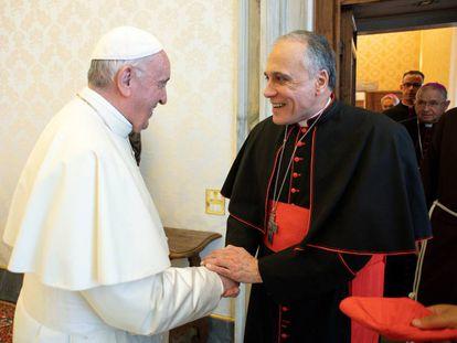 Francisco recibe al presidente de la Conferencia Episcopal de EEUU, Daniel DiNardo.