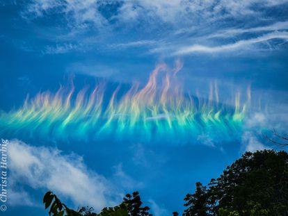 Un arcoíris de fuego sobre Virginia Occidental.