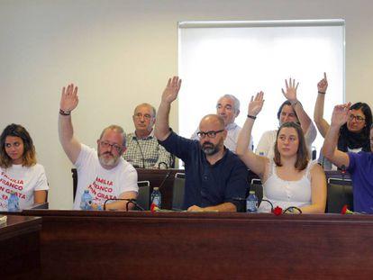 Momento en el que el pleno de Sada votaba el sábado iniciativas encaminadas a la incorporación del Pazo de Meirás a patrimonio público y que sea el ayuntamiento quien gestione las visitas al inmueble.