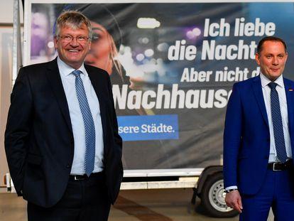 Jörg Meuthen (izquierda) y Tino Chrupalla, colíderes de Alternativa para Alemania (AfD), el viernes en Dresde.