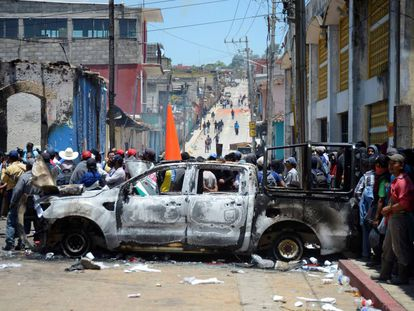 Cientos de pobladores de Pantelhó toman el Palacio municipal, en imágenes