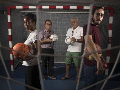 Cuatro de las 200 personas que han participado en el proyecto deportivo de inclusión para personas sin hogar.
