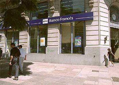 Una oficina del Banco Bilbao Vizcaya Argentaria situada en la ciudad argentina de Buenos Aires.