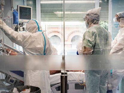 UCI del hospital El Clínico de Valencia durante la segunda ola del coronavirus.