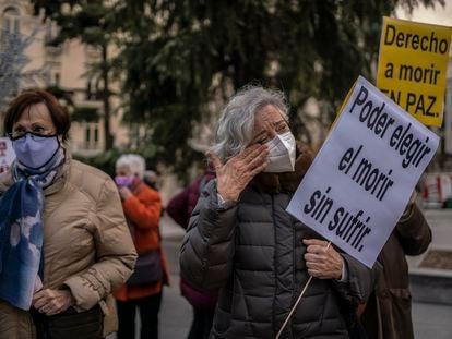 Concentración frente al Congreso en apoyo a la ley de eutanasia en diciembre de 2020.