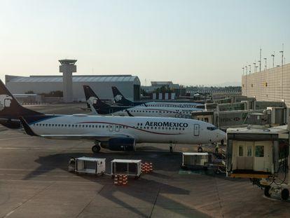Flota aérea de Grupo Aeromexico en el Aeropuerto Internacional de la Ciudad de México.