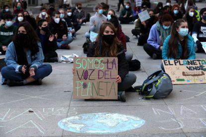 Concentración en Madrid contra la falta de medidas contra el cambio climático el 19 de marzo.