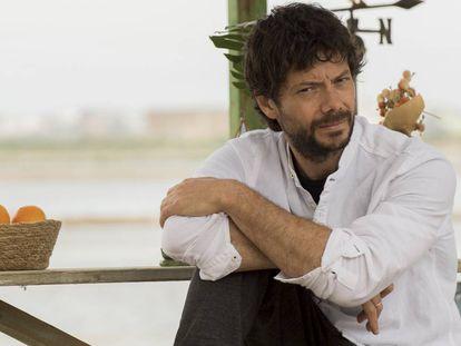Álvaro Morte, en una imagen de 'El embarcadero'.