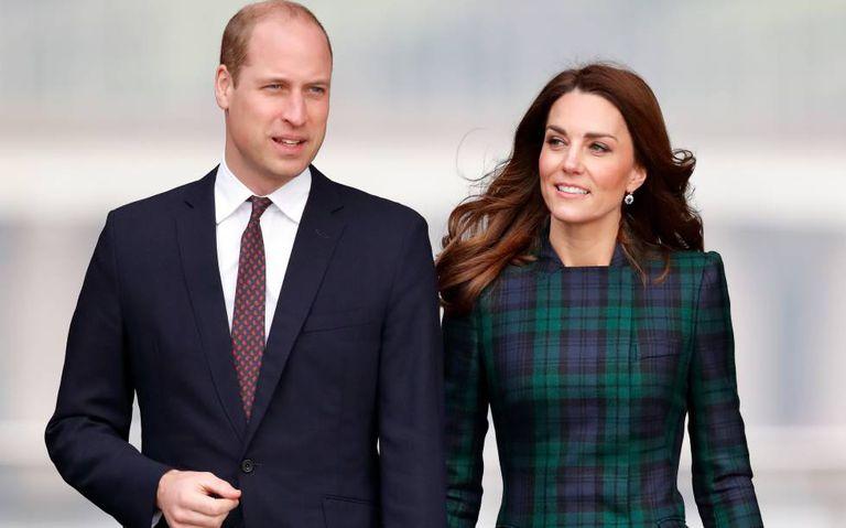 Enrique de Inglaterra y Kate Middleton, en Dundee, Escocia, en enero.