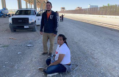 Claudia Karina Pérez y Walter José Martínez, detenidos en El Paso nada más pisar suelo de EE UU, el pasado jueves. Son de Honduras y ella está embarazada de cuatro meses.