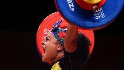La ecuatoriana Neisi Dajomes compite en la categoría de 76 kilos el 1 de agosto pasado en Tokio.