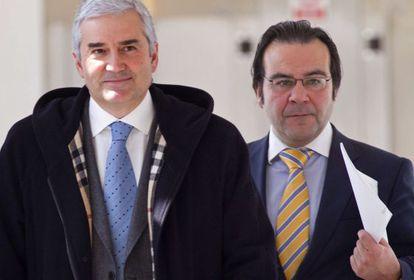 Fernando Blanco, con su abogado, en los juzgados de Lugo en 2012.