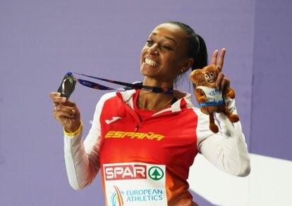 Peleteiro, feliz con su medalla de plata.