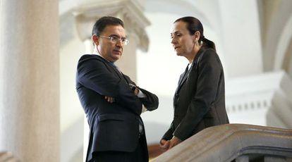 El consejero de Justicia, Castellano, con la presidenta del Tribunal Superior valenciano, De la Oliva, en una imagen de archivo.