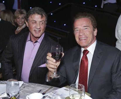 Sylvester y Arnold, ya amigos y compañeros de pantalla, en una gala en Beverly Hills en 2014.