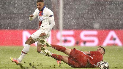 Mbappé y Suele, en el Bayern-PSG de cuartos de la pasada Champions que se decidió por el valor doble de los goles.
