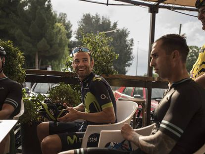 Alejandro Valverde, durante un descanso en su entrenamiento el sábado pasado.