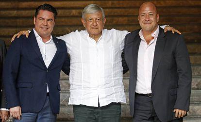El gobernador de Jalisco, Aristóteles Sandoval, Andrés Manuel López Obrador y Enrique Alfaro.