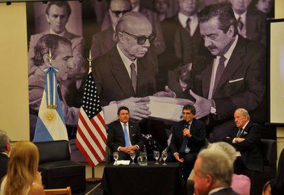 Acto de entrega de los documentos desclasificados por EEUU en la exESMA, en Buenos Aires.