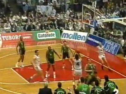 Momento del triple de Djordjevic en 1992.