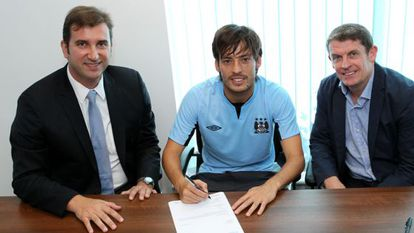 Silva, durante la firma de su nuevo contrato.