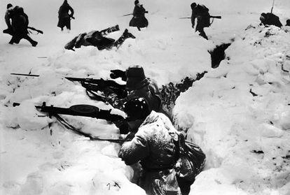 Tropas soviéticas en la última fase de la batalla de Stalingrado, en enero de 1943.