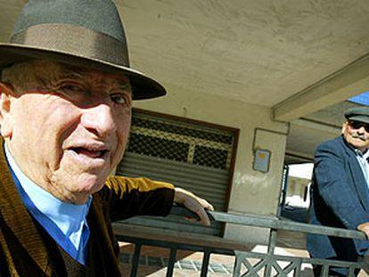 Dos ancianos italianos, en la localidad italiana de Laviano.