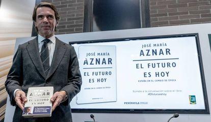 El expresidente del Gobierno, José María Aznar, durante la presentación de su libro en Barcelona.