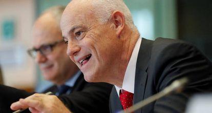 Jose Manuel Campa, presidente de la Autoridad Bancaria Europea, en el Parlamento europeo. EPA/OLIVIER HOSLET