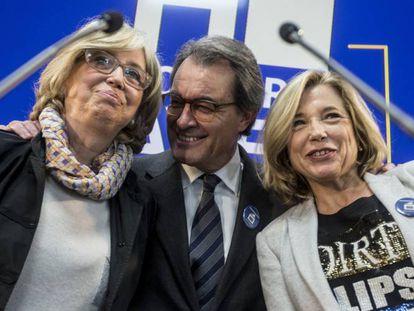 """""""Artur Mas, Joana Ortega e Irene Rigau han sido sancionados por la consulta del 9-N. Y ellos han declarado que volverían a hacer lo mismo. Y, a su vez, otros independentistas manifiestan que esta sentencia demuestra la falta de democracia del Gobierno central. Yo les diría, primero, que lo de ellos sí que es falta de democracia; es un intento de golpe de Estado, pues quieren imponer su idea sin tener en cuenta que la mayoría de los catalanes no están con ellos. Esto lo demuestra el número de votos de las últimas elecciones, (no el número de diputados). Y, segundo, haciendo uso del seny catalán, del que es ejemplo el señor Duran Lleida, aplicar aquello de """"rectificar es de sabios"""". No hacerlo conduce a un conflicto, provocado por ellos y solo ellos, que se obstinan en no pararlo y del que no sabemos qué consecuencias tendrá."""""""