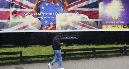Vista de un cartel electoral del UKIP, este lunes en el sur de Londres.