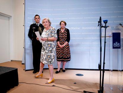La ministra de Defensa holandesa, Ank Bijleveld, tras dirigirse a la prensa, este jueves.