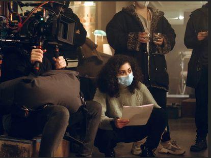 Mina El Hammani, dirigiendo el pasado lunes su cortometraje 'Treinta segundos'.
