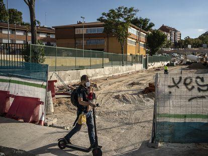 Instituto público Gran Capitán, afectado por las obras de la operación Mahou-Calderón este martes.