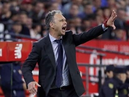 Caparrós, en su última etapa como entrenador del Sevilla.