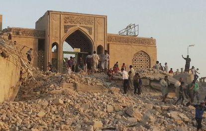 Estado a que quedó reducida una mezquita de Mosul por un ataque yihadista.