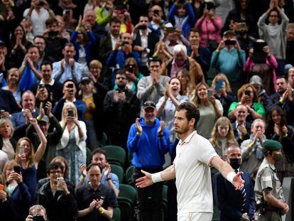 Murray celebra su triunfo contra Otte en la Centre Court de Wimbledon.