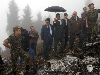 Federico Trillo, en el lugar del accidente del Yak-42 en Turquía en 2003.