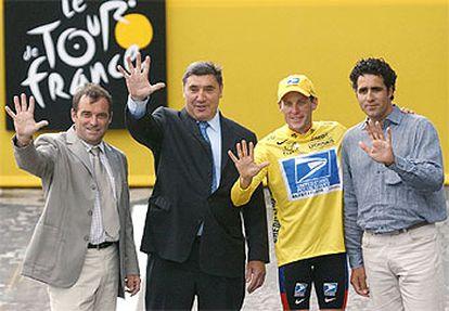 Hinault, Merckx, Armstrong e Indurain, los cuatro ganadores vivos de cinco ediciones, ayer, en París.