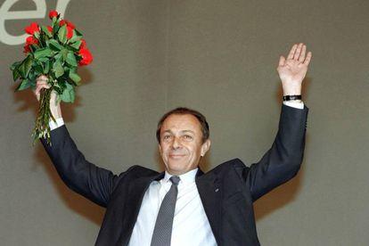 Rocard, al ser elegido líder de los socialistas en 1983.