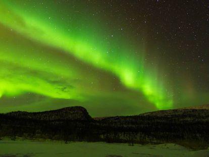 Una aurora boreal en el cielo de Noruega.