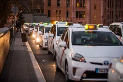 Taxis en la estación de Atocha, en Madrid.