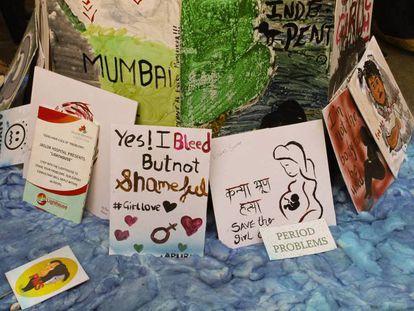 Parte de una exhibición de arte con la higiene menstrual como tema principal en Kala Ghoda, el mayor festival de arte de India celebrado en Bombay la semana pasada.