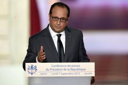 El presidente Hollande durante su comparecencia este lunes en París.
