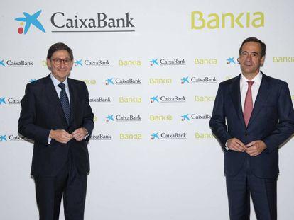 El presidente de Bankia y que será presidente ejecutivo de la nueva entidad, José Ignacio Goirigolzarri, y el consejero delegado de CaixaBank y que será consejero delegado de la nueva entidad, Gonzalo Gortázar