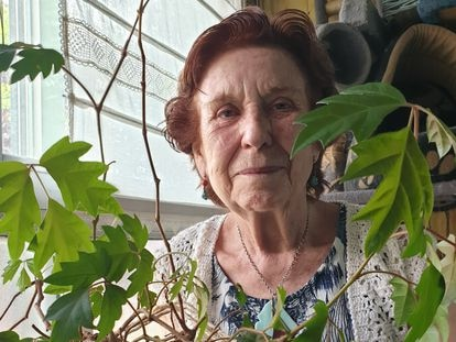 La Abuela Carmen de Fuencarral con una de sus plantas