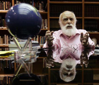 James Randi, durante una entrevista en 2007.